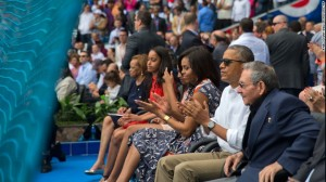 Obama calls for change and freedom in Cuba
