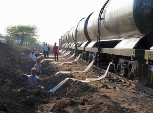 Kejriwal praises PM for efforts to resolve Latur water crisis
