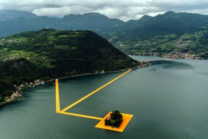 Christo's most modern undertaking: walking on Water