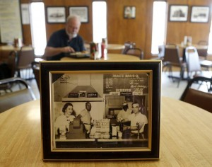 Mac's Bar-B-Que, a Dallas institution, shouldn't have to struggle to make ends meat