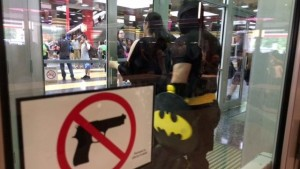 Gun shop booted from Wizard World Comic Con