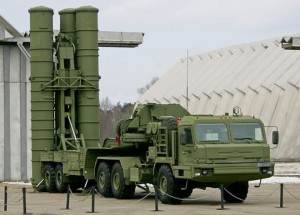 Ukraine Crimea: Russia sends new air defence missiles