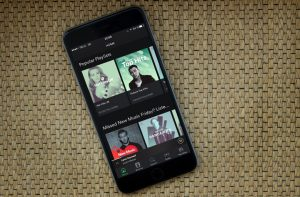 Apple Music is ruining Spotify's negotiations with record labels