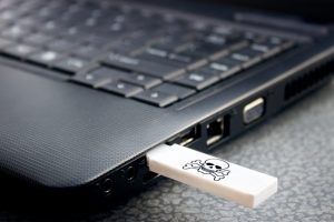 "THIS ""USB KILLER"" DRIVE WILL FRY YOUR GADGET"