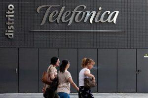 Acciones de Telefónica avanzan hasta 30%