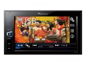5 ways to spruce up your car's entertainment system