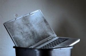 You Can Use This Operating System and USB Drive to Revive Derelict Laptops