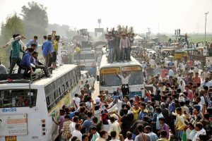 Jat stir enters 22nd day: Liquor banned till Monday, internet services blocked