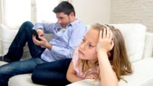 Parents' mobile use harms family life, say secondary pupils