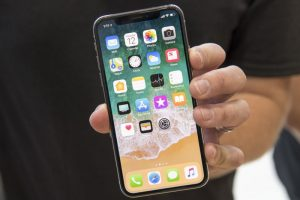 iPhone X Hit With Production Snag, May Be Available in Short Quantity at Launch: Report
