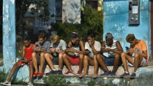 Cubans left frustrated by slow and costly internet rollout